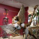 Gros ange - bronze et acier (détail)